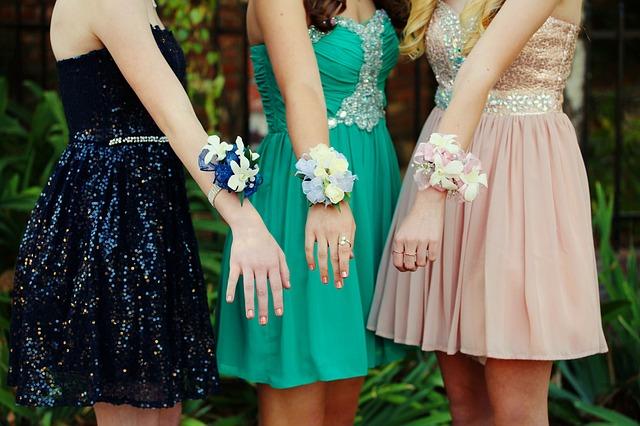 f14dd2292146 Dámske spoločenské šaty na špeciálnu udalosť – Key oka